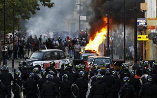 distúrbios em Londres