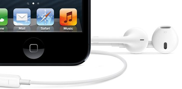 iPhone-5-com-os-novos-Apple-EarPods