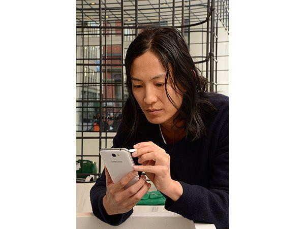 Samsung alia-se ao reconhecido designer Alexander Wang no primeiro processo de criação Crowd