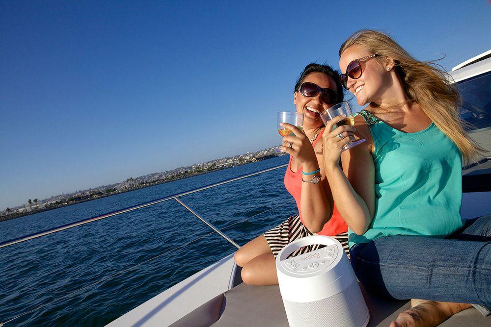 melody-boat-sea-exterior