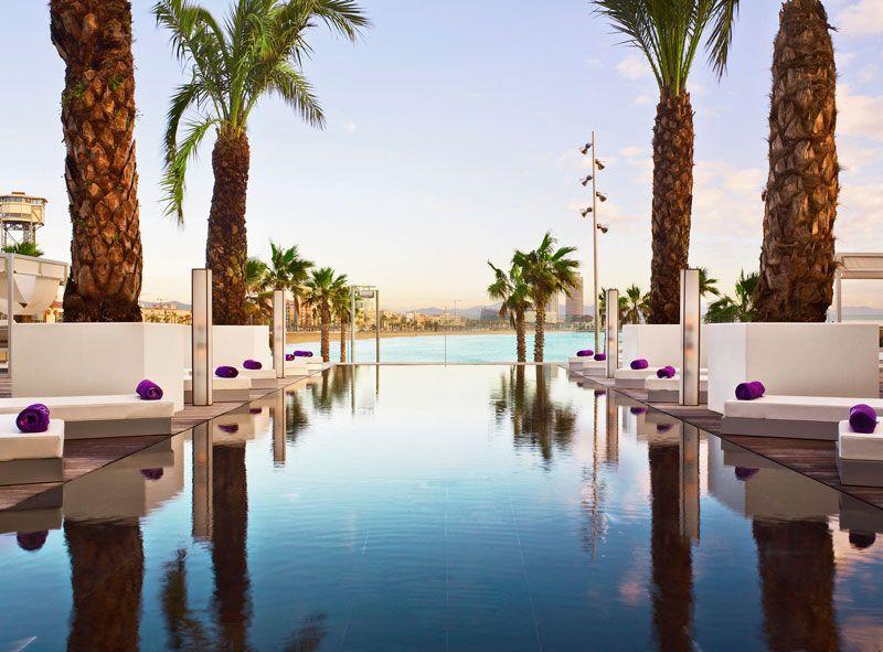 infinity_pool_w_barcelona