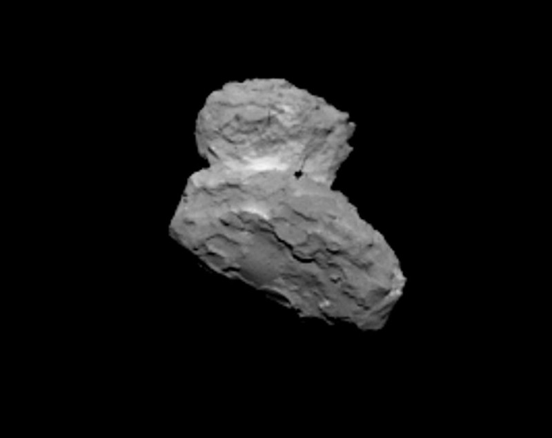 Imagem do 67P/Churyumov-Gerasimenko obtida pela câmera OSIRIS da sonda Rosetta em 1º de agosto, quando a sonda se encontrava a cerca de 1.000 km de distância do cometa. Crédito:  ESA/Rosetta/MPS pela equipe OSIRIS; MPS/UPD/LAM/IAA/SSO/INTA/UPM/DASP/IDA