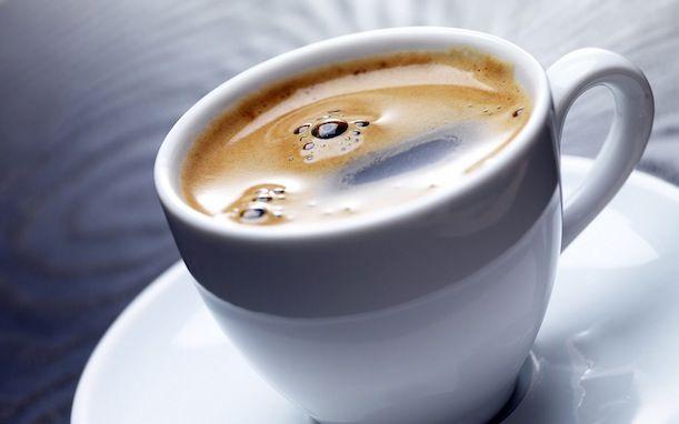 """""""- Garçom, tem manose demais no meu café!"""": nova técnica desenvolvida por pesquisadores brasileiros visa detectar, com facilidade, substâncias fraudulentas no café. Imagem: jamesjoel – Flickr"""
