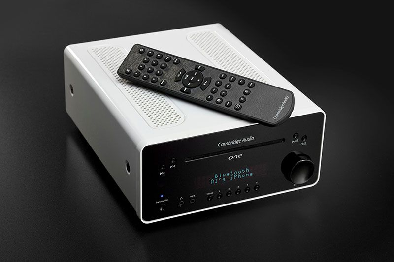 Cambridge Audio One com controle remoto