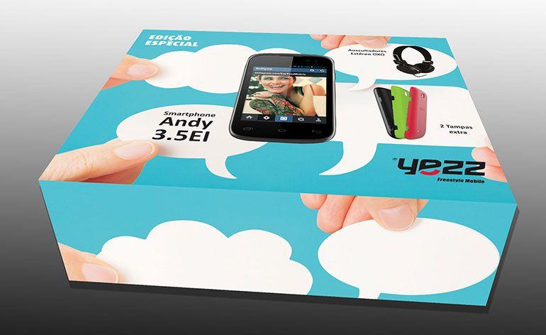 pacote de smartphone e auscultadores para o Natal