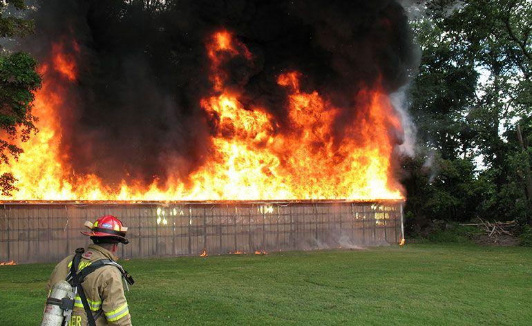 megaoperação contra incêndios no Bangladesh