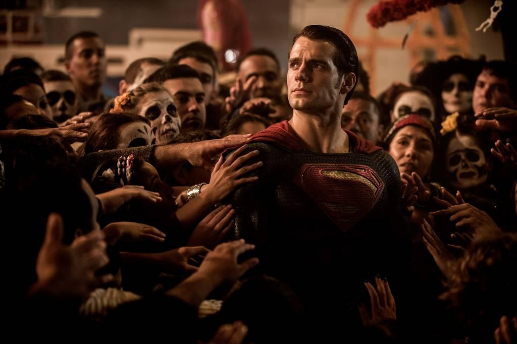 O Superman, Clark Kent é o actor britânico Henry Cavill