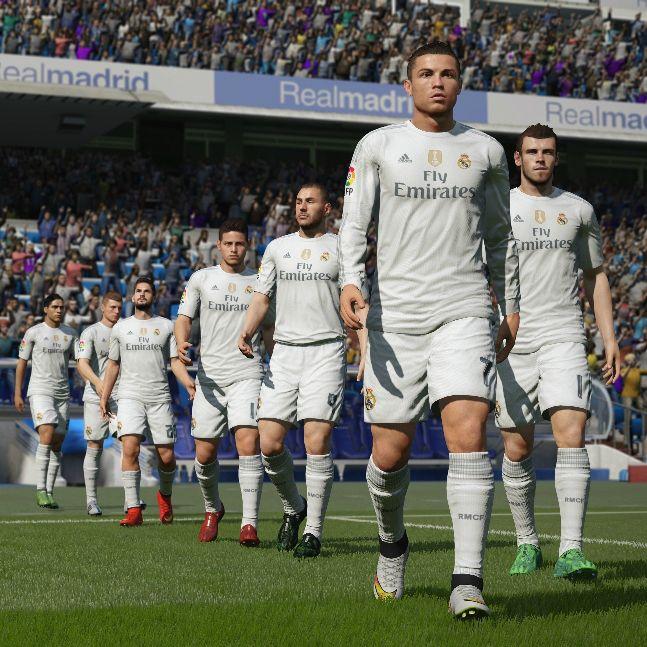 Equipa do Real Madrid entra em campo