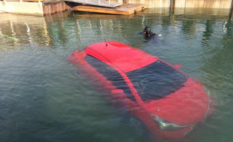 viagem com GPS acaba no fundo do lago