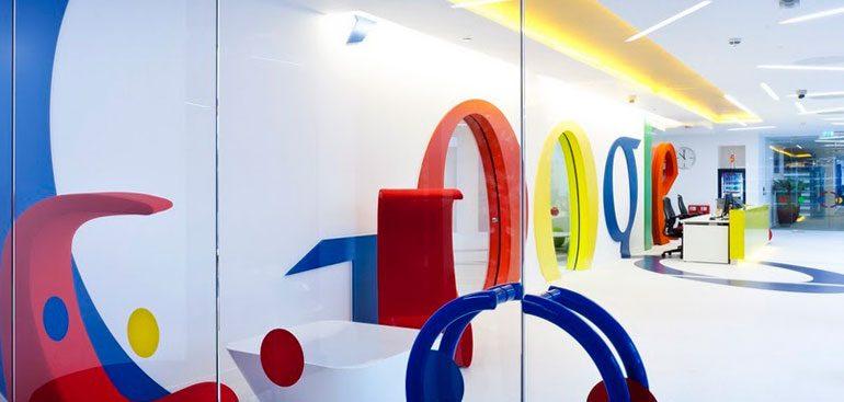 Mais de 100 agentes fazem buscas na Google em Paris