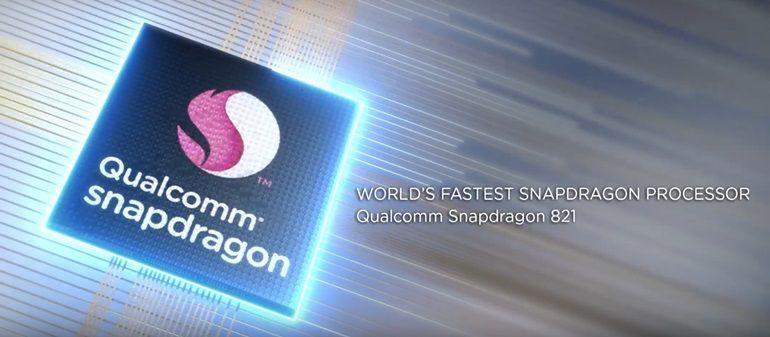 Ambos os smartphones vem com o processador quad-core Qualcomm Snapdragon 821