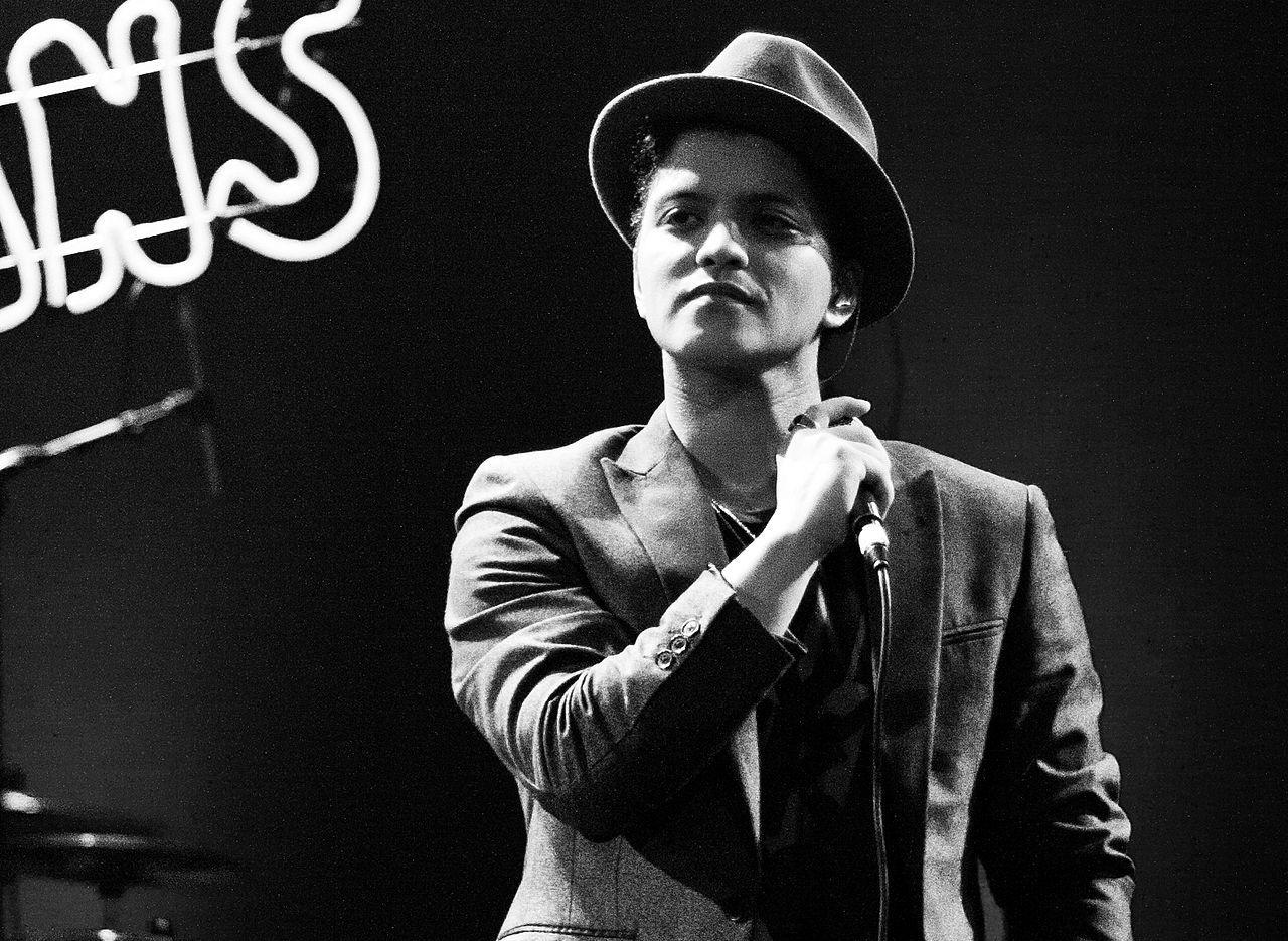 1280px Bruno Mars bw artistas, Chico Buarque, concertos, Daniela Mercury, espectáculos, Festival Rock in Rio, géneros musicais, Iron Maiden, Lenny Kravitz, múxicos, Portugal, Vanessa da Mata
