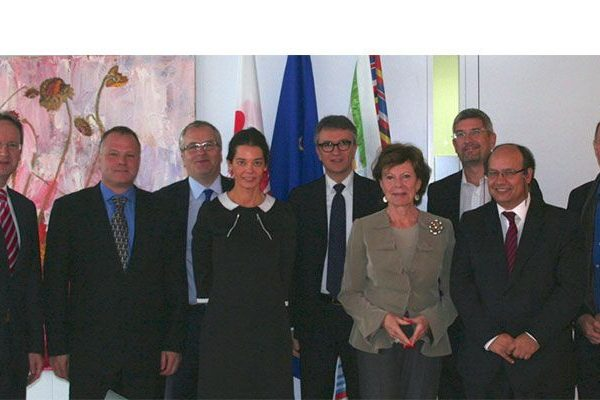 ECOTY-Finalists-meet-with-VP-Neelie-Kroes