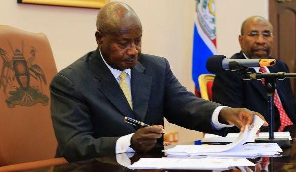 Yoweri Museveni homossexualidade