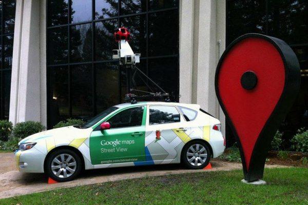 Um dos carros usado pelo Google para fotografar as ruas e produzir o Google Mapas. O Android Auto usa essa base de dados para ajudar na navegação (foto: reprodução da internet)