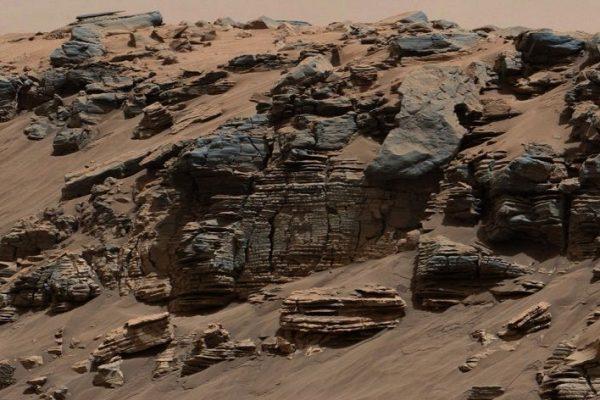 Rochas sedimentares da cratera Gale