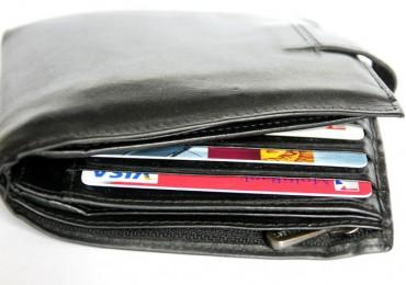carteira com cartão de crédito visa