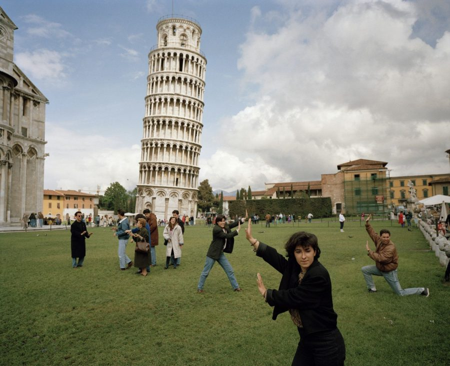 martin parr leaning tower pisa tourists 1990 Adobe, App, fotografia, monument mode