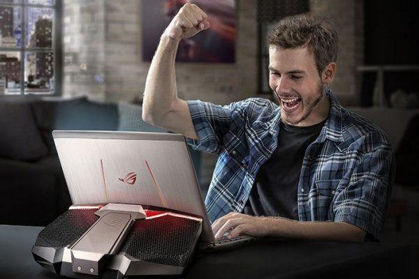 ASUS ROG apresenta GX700, o 1º portátil para jogos com refrigeração líquida