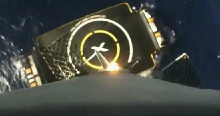 imagens a bordo de foguetão da SpaceX