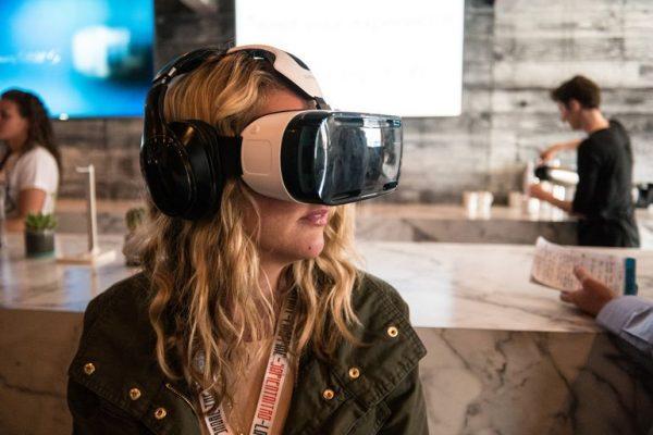 Empresas procuram desenvolver experiências de compra para a realidade virtual