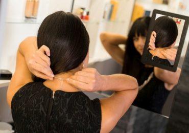 Espelho inteligente permite que usuários possam se ver de frente e de costas simultaneamente
