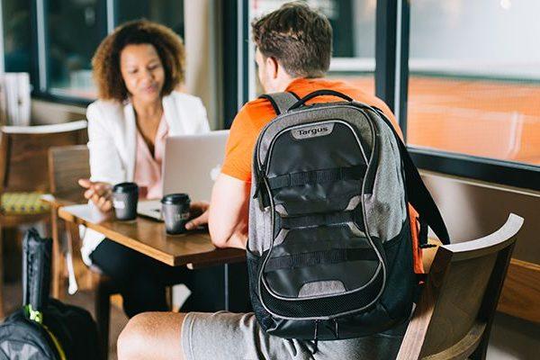 Novas mochilas Targus Work + Play destinadas aos praticantes de desporto