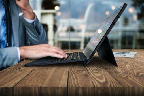 Portégé X30-T E Tablet Keyboard Lifestyle Image