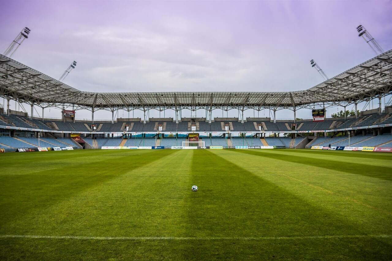 Os maiores estádios de futebol do mundo contam com câmeras ao redor de sua estrutura