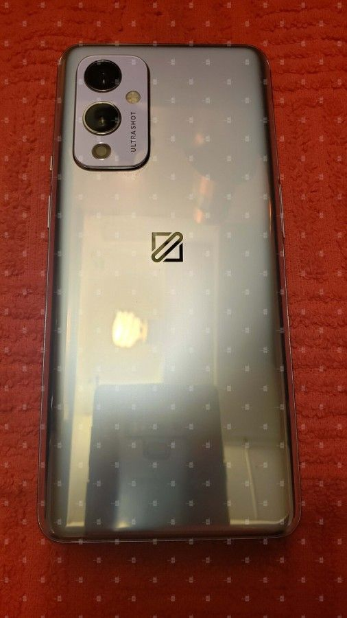 OnePlus 9 design