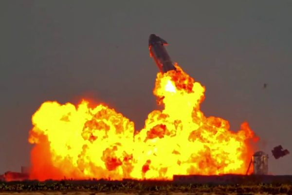 SpaceX Starship SN10 explosão