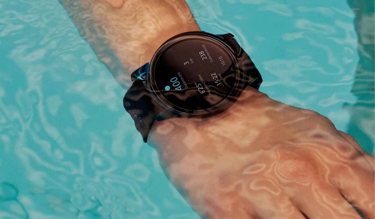 OnePlus Watch smartwatch água
