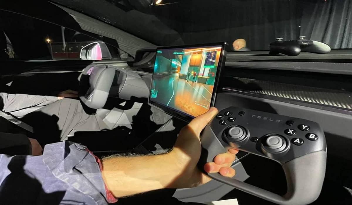 Tesla Model S Plaid Cyberpunk 2077 PS5
