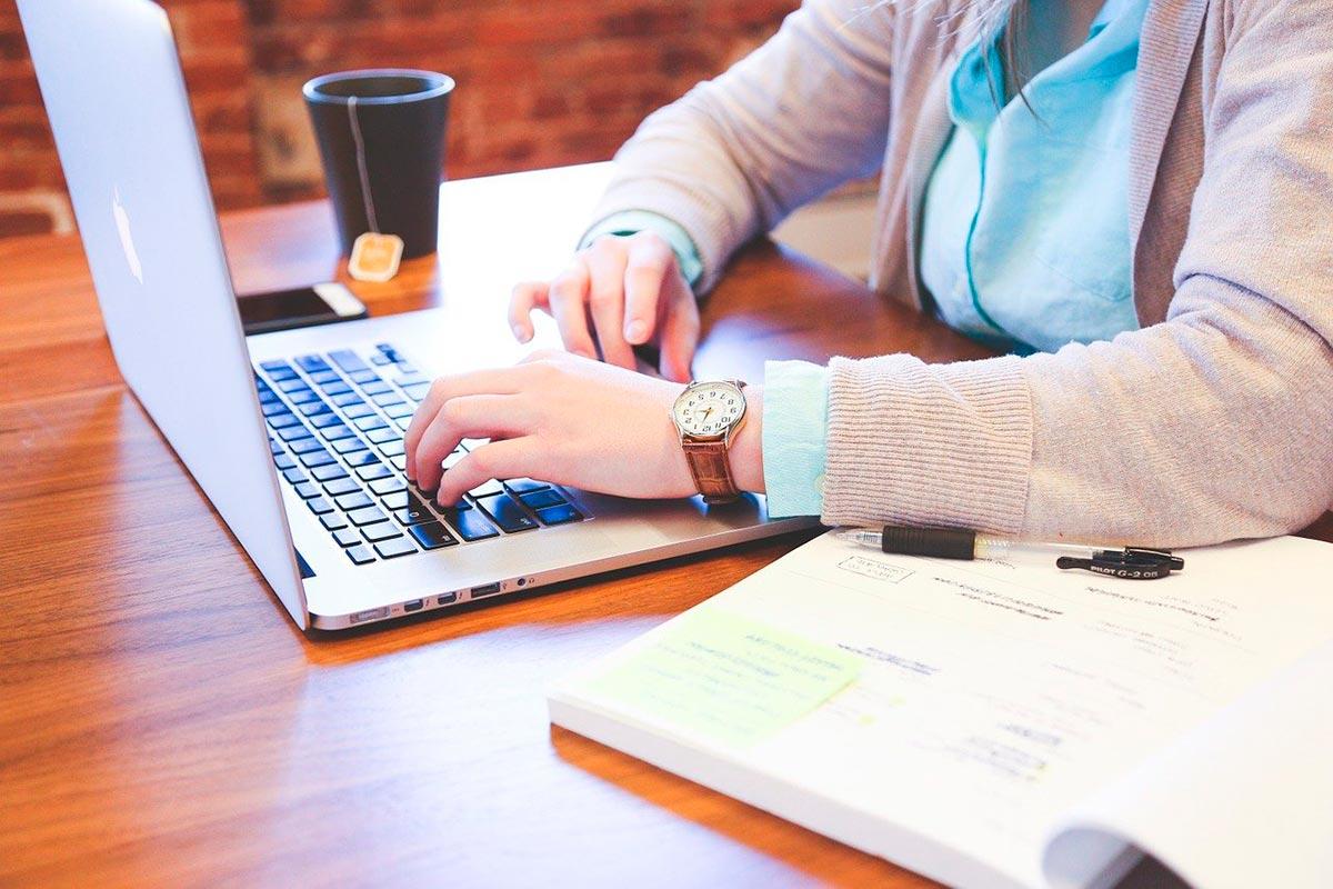 AI: 5 ferramentas (gratuitas) para melhorar a sua escrita