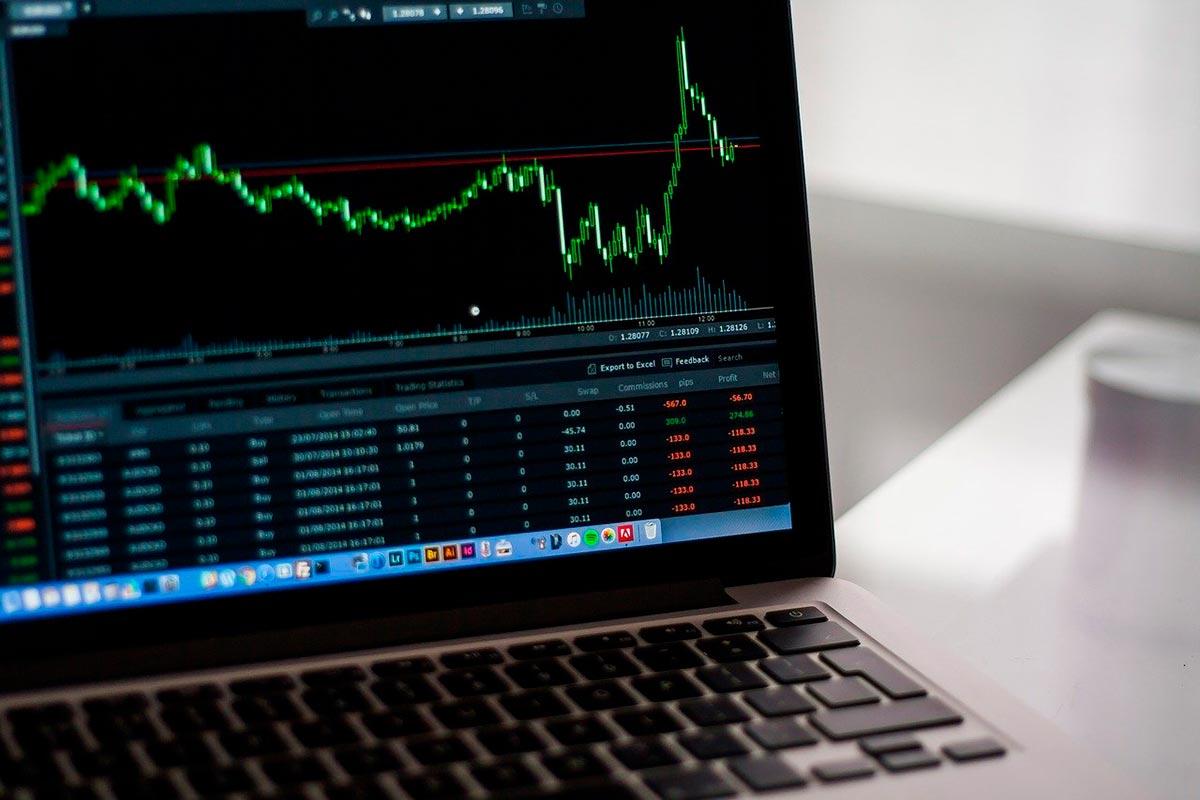 Invista em ações do mercado tecnológico com o auto trading
